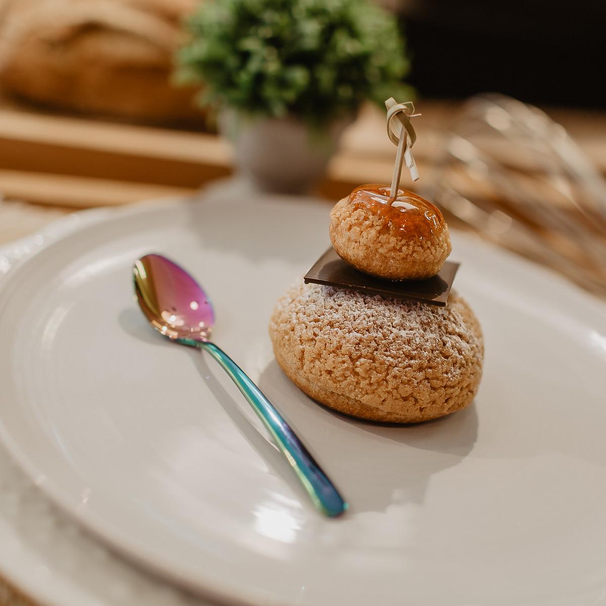 boulangerie-du-port-pornic-religieuse-au-caramel