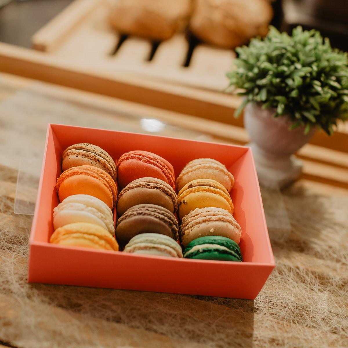 boulangerie-du-port-pornic-boite-de-12-macarons