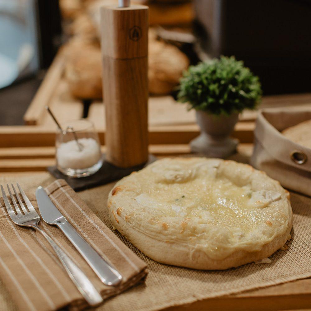 boulangerie-du-port-pornic-pizza-au-fromages